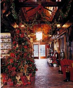 Gail Claridge's Beautiful Equestrian Country Meadow Ranch decked out for Christmas - this is so my dream house Christmas Horses, Christmas Tree Farm, Cozy Christmas, Country Christmas, Outdoor Christmas, Christmas Holidays, Christmas Decorations, Holiday Decor, Christmas Scenes