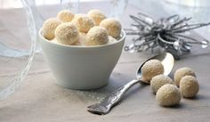 Food desktop wallpapers - page 127 Coconut Truffles, Coconut Candy, Holiday Cookies, White Chocolate, Biscotti, Fudge, Dog Food Recipes, Good Food, Sweets