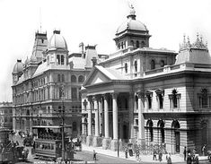 General Post Office and Standard Bank of South Africa, Adderley Street, Cape Town Old Pictures, Old Photos, Johannesburg City, Cities In Africa, General Post Office, Namibia, Most Beautiful Cities, Historical Pictures, African History