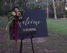 50 Simple And Elegant Halloween Wedding Decoration Ideas - Use black to create a glamorous and sexy wedding style! Here are different black detail ideas to us - Elegant Winter Wedding, Fall Wedding, Dream Wedding, Wedding Ideas, Geek Wedding, Wedding Gold, Black Wedding Decor, Wedding Hair, Trendy Wedding