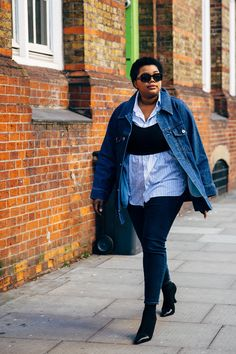 Gabriella Karefa-Johnson | London Fashion Week Street  Style AW19 | STYLE DU MONDE Curvy Street Style, New Street Style, Street Style Women, Fat Fashion, Fashion Week, Plus Size Fashion, Thick Girls Outfits, Curvy Girl Outfits, Plus Zise