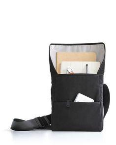 Bluelounge Laptop Tote Bag for MacBook Pro - Black – BrandsWalk Laptop Tote Bag, Iphone 5se, Portfolio Case, Apple Watch Iphone, Ipad Pro 12, Bottle Bag, Cute Tote Bags, Leather Cover, Laptop Tote