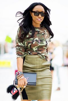 Wear a long-sleeve camouflage shirt with a leather pencil skirt for a modern take on office attire. Source by tessabeckeric outfits for women Camouflage Fashion, Camo Fashion, Military Fashion, Look Fashion, Autumn Fashion, Military Style, Curvy Fashion, Skirt Fashion, Fashion Clothes