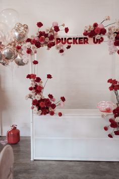 Red Wedding, Floral Wedding, Wedding Flowers, Girls Having A Baby, Alternative Wedding, Event Styling, Artisanal, Unique Weddings, Red And Pink