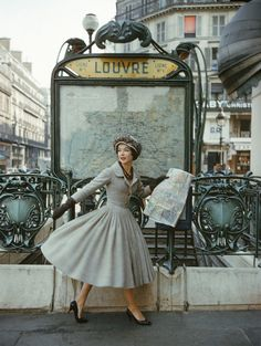 imandreamsfashion: A Christian Dior photo shoot in the Paris. 2019 imandreamsfashion: A Christian Dior photo shoot in the Paris. The post imandreamsfashion: A Christian Dior photo shoot in the Paris. 2019 appeared first on Vintage ideas. Vintage Dior, Vintage Glamour, Vintage Beauty, Vintage Dresses, Retro Vintage, Vintage Outfits, Vintage Paris, Vintage Style, French Vintage