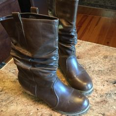 Comfy boots. Brown Wanted Brand. My closet offers ❤️25% off bundle of 2 or more. Wanted Shoes Winter & Rain Boots