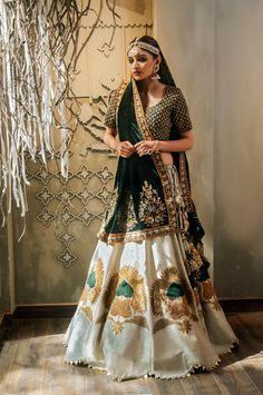 Delhi based designer Gazal Gupta recently. Green Lehenga, Indian Lehenga, Bridal Lehenga Choli, Saree, Floral Lehenga, Lehenga Style, Indian Wedding Outfits, Indian Outfits, Indian Clothes