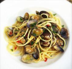 Spaghetti Vongole http://www.culy.nl/recepten/spaghetti-vongole/