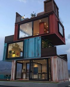 A residence Case Study of cargotecture in … Sea Container Homes, Building A Container Home, Container Cabin, Container Buildings, Storage Container Homes, Container Architecture, Container House Plans, Container Design, Cargo Home