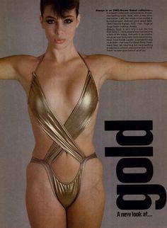 US Vogue November 1981The Resort Collections Photo Richard Avedon