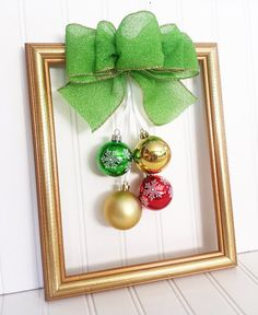 Christmas Picture Frame Wreath by OddsNEndsbyAly on Etsy Picture Frame Wreath, Christmas Picture Frames, Christmas Pictures, Christmas Stairs, Christmas Bows, Christmas Design, Xmas, Inexpensive Christmas Gifts, Christmas Crafts For Gifts