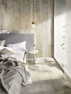 Natürlicher Lifestyle mit mediterranen Stil Serie Patchwood von Steuler  http://www.franke-raumwert.de/Fliesen/Steuler/Patchwood/ #Feinsteinzeug #Schlafzimmer #Wohnzimmer #Küche #Holz #Fliese #Flur #Stein #Sand