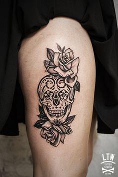 Rafa Decráneo tatuador de LTW Tattoo and Piercing Barcelona Red Ink Tattoos, Sugar Skull Tattoos, Makeup Tattoos, Love Tattoos, Unique Tattoos, Beautiful Tattoos, Body Art Tattoos, Small Tattoos, Mexican Skull Tattoos