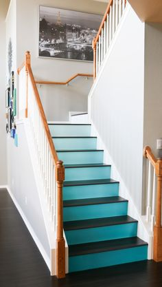 une id e originale pour repeindre ses escaliers de. Black Bedroom Furniture Sets. Home Design Ideas