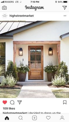 front door inspiration wood front door with big windows home decor inspiration entryway landscaping inspiration Design Exterior, Exterior House Colors, Exterior Paint, Simple House Exterior, Exterior Siding, Ranch Exterior, Diy Stucco Exterior, Exterior House Lights, Stucco Colors