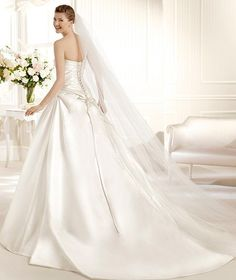 MARQUESA » Wedding Dresses » 2013 Glamour Collection » La Sposa (back)