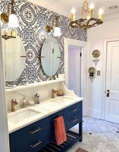 Tile Design, Bathroom Makeover, Bathroom Styling, Bathroom Interior, Glamorous Bathroom, Small Bathroom Wallpaper, Bathrooms Remodel, Bathroom Decor, Beautiful Bathrooms
