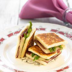 Découvrez la recette Croque monsieur aux asperges et au jambon sur cuisineactuelle.fr.