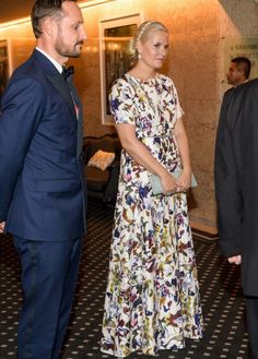 11 December 2016 - The 2016 Nobel Peace Prize Banquet - dress by FWSS