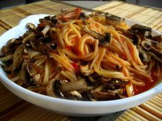 Raw Vegan, Japchae, Food For Thought, Paste, Goodies, Beef, Health, Ethnic Recipes, Mai