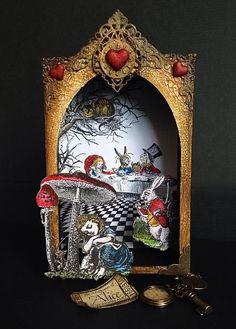 Alice in Wonderland Shadow Box Altered Tins, Altered Art, Paper Art, Paper Crafts, Shadow Box Art, Tin Art, Art Sculpture, Marianne Design, Assemblage Art