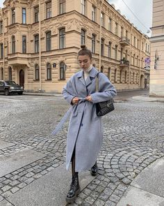 Winter Fashion Outfits, Autumn Winter Fashion, Winter Outfits, Fashion Clothes, Trench Coats, Parisian Chic Style, Curvy Outfits, Stylish Outfits, Minimal Fashion