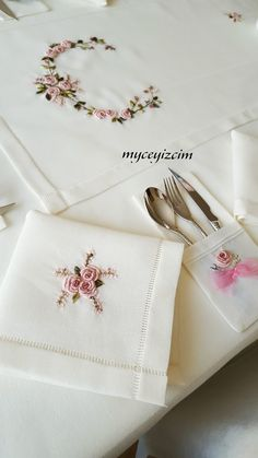 Bead Embroidery Tutorial, Hand Embroidery Patterns Flowers, Hand Embroidery Projects, Hand Embroidery Flowers, Simple Embroidery, Hand Embroidery Designs, Ribbon Embroidery, Embroidery Kits, Handkerchief Embroidery