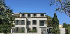 Villa & project for sale Saint-Tropez Most Beautiful Cities, Beautiful Homes, Sea State, Nikki Beach, Rural House, Brick Flooring, Saint Tropez, Pent House, Night Life
