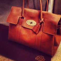 Iconic Mulberry Bayswater bag! True British style <3