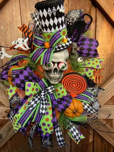 Skeleton Halloween Wreath by KBWreaths on Etsy Halloween Door Wreaths, Halloween Skeleton Decorations, Halloween Lanterns, Halloween Skeletons, Halloween Centerpieces, Country Halloween, Halloween Magic, Halloween Projects, Fall Halloween