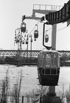 Reportage à La Ronde quelques semaines avant son ouverture. Le Téléphérique. Photo Paul-Henri Talbot le 4 avril 1967. © La Presse.