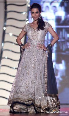 Malaika Arora Khan in Manish Malhotra Fashion Show