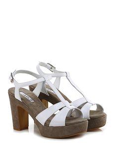 CHATULLE - Sandalo alto - Donna - Sandalo alto in pelle vintage con cinturino alla caviglia e suola in gomma. Tacco 105, platform 40 con battuta 65. - BIANCO - € 135.00