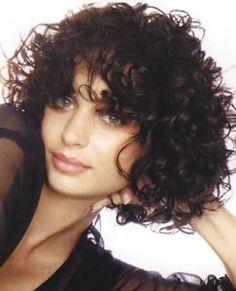 3b short curls