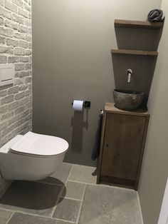 Toilet cabinet custom made of oak with hard stone bowl. - Toilet cabinet custom made of oak with hard stone bowl. Space Saving Toilet, Small Toilet Room, Guest Toilet, Downstairs Toilet, New Toilet, Modern Toilet, Toilet Sink, Modern Bathroom Sink, Bathroom Toilets
