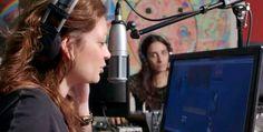 Έλα να δεις την ιστορία ενός ραδιοφώνου - http://parallaximag.gr/agenda/cinema/ela-na-dis-tin-istoria-enos-radiofonou
