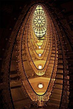Amaze7: Staircase at the Bristol Palace Hotel – Genoa, Italy
