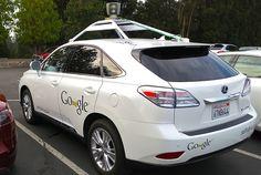 A Uber parece perseguirle la mala suerte. Que si denuncias por aquí, problemas legales por ahí, órdenes judiciales más allá... Y ahora de repente le va a salir un nuevo competidor en esto del transporte urbano de personas. Y no un rival cualquiera, sino el peor rival que cualquier empresa podría tener: el todopoderoso Google.
