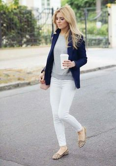 Un blazer azul blue blazer outfit, outfit with white pants, outfit with den Comfy Work Outfit, Casual Work Outfits, Mode Outfits, Office Outfits, Work Casual, Jean Outfits, Casual Office, Stylish Outfits, Office Chic