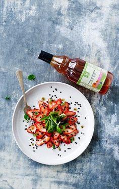 Jordbærsalat med belugalinser & lakrids