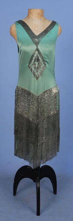 ART DECO BEADED SATIN FLAPPER DRESS with FRINGE, Sleeveless seafoam silk charmeuse with V-neck & back decorated with a band of crystal bugle beads, front & back diamond medallions & three tiers of beaded fringe. 20s Fashion, Art Deco Fashion, Fashion History, Retro Fashion, Vintage Fashion, Vestidos Vintage, Vintage Dresses, Vintage Outfits, Antique Clothing