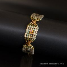 Beading Tutorial Squares with a Twist Bracelet by SmadarsTreasure Aug/Sep. 2013 issue of Beadwork