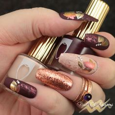 Fall nail art, foil stamping, pigment stamping, What's Up Nails Sunset Magic Shifting powder, Moyra Magic Foil, What's Up Nails A011 Leaves are Fall-ing