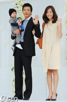 Kwon Sang Woo With Wife And Son At Jang Dong Gun S Wedding