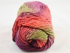 lovely yarn <3 75% wool 25% silk $15 for 2 skeins! i want some!!!!!!!!!