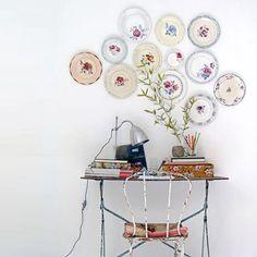 Pratos na parede: inspiração charmosa e inusitada.