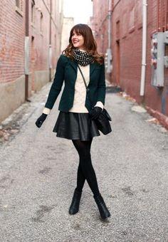 Lederrock kombinieren: wintertauglich und verspielt