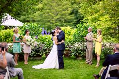 What a #brilliant, #vibrant, #naturallybeautiful #outdoor #ceremony! And in the groom's #backyard at that! ::Jessica + Robert's dreamy summer wedding in Salisbury, CT:: #weddingkiss #youmaykissthebride #weddingparty #thebigday