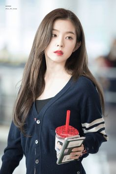 Image uploaded by 딜라잇행복 🌸. Find images and videos about red velvet, joy and irene on We Heart It - the app to get lost in what you love. Seulgi, Kpop Girl Groups, Kpop Girls, Mode Ulzzang, Red Velvet Irene, Black Velvet, Airport Style, Beautiful Asian Girls, Stunning Girls