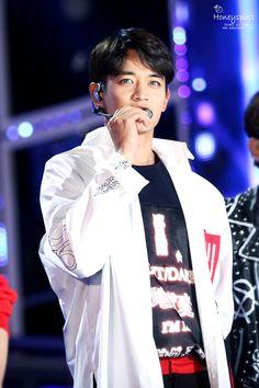 150920 Hallyu Dream Concert #Shinee #Minho